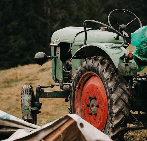 traktor-lackierarbeiten